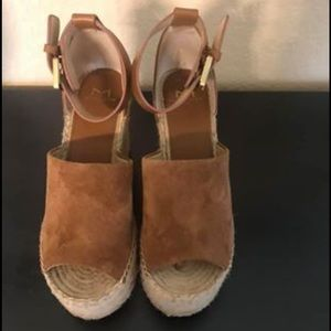 Marc Fisher Adalyn wedges excellent condition